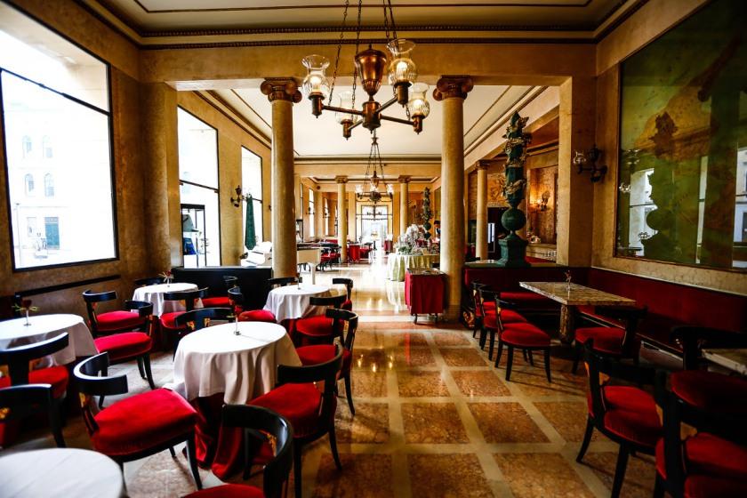 Caffè Pedrocchi-la sala rossa